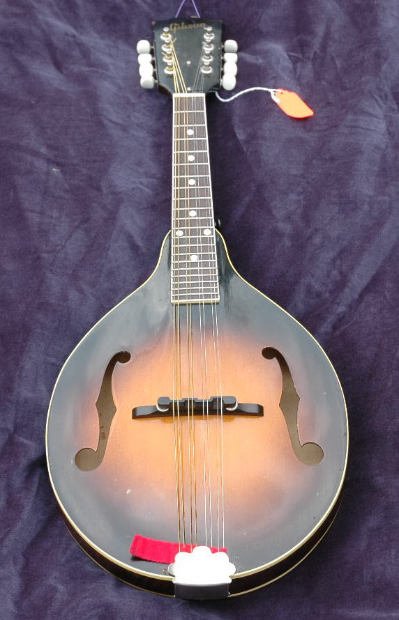 pic of Gibson Mandolin